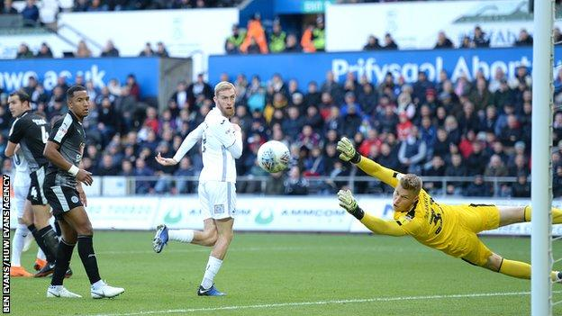 Oli McBurnie's penalty against Reading was his first goal for Swansea since the start of September