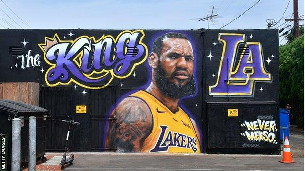 Street mural depicting LeBron James in Los Angeles