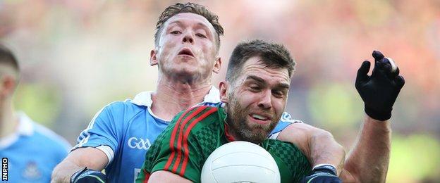 Dublin's Paul Flynn battles with Mayo's Seamus O'Shea