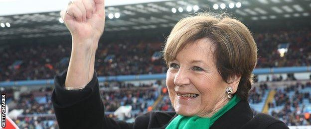 Delia Smith celebrates Norwich winning the Championship title