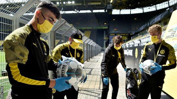 The match balls were disinfected by ball-boys