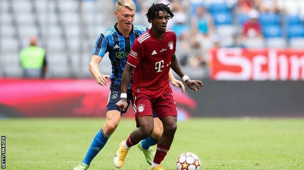 Omar Richards - Julian Nagelsmann: Bos Unik Bayern Munich Terjebak Dalam Kekacauan Awal?