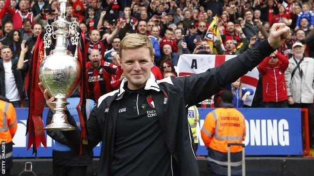 Eddie Howe celebrates Bournemouth winning the 2014-15 Championship