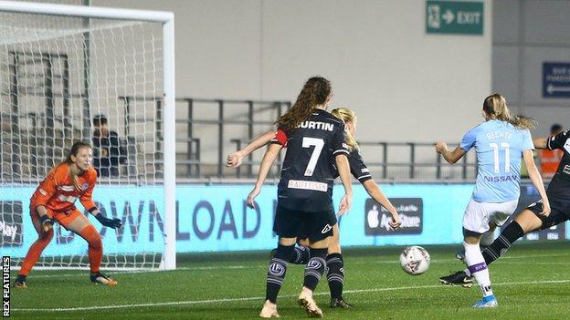 Janine Beckie completes her hat-trick