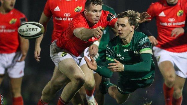 Connacht's John Porch gets a pass away despite Chris Farrell's efforts