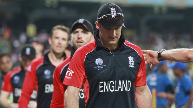 England at the Cricket World Cup: Death threats, dodgy tummies and a dip in the sea thumbnail