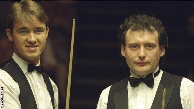 Stephen Hendry (left) and Jimmy White