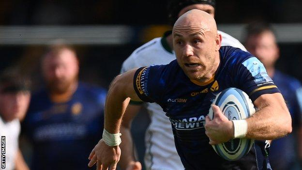 Willi Heinz made an immediate impact on his Worcester Warriors debut as he scored their second try of the afternoon against London Irish