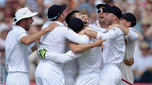 England celebrate winning the Ashes