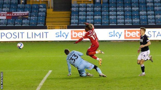 Alex Mighten scores for Nottingham Forest against Millwall