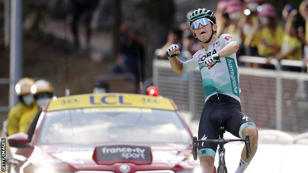 Lennard Kamna punches the air in celebration after winning stage 16 of the 2020 Tour de France