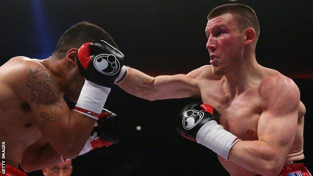 Liam Williams in action against Gustavo Alberto Sanchez