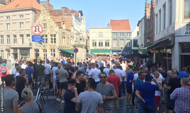 Leicester fans gather in Brugge