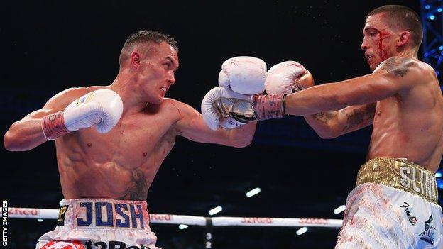Lee Selby comes under pressure from Josh Warrington
