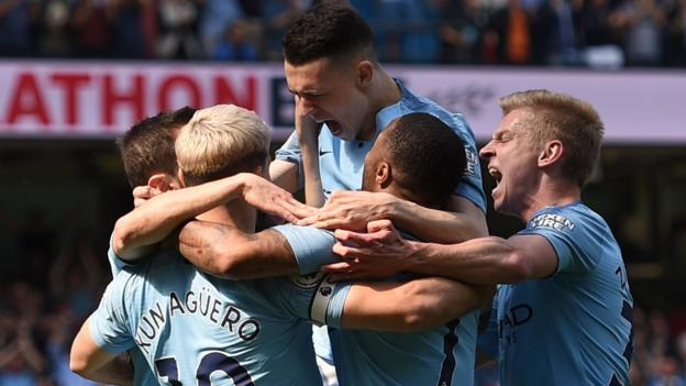 Manchester City 1-0 Tottenham: Phil Foden goal sends City top thumbnail