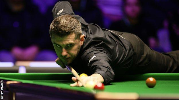 Mark Selby came from 2-1 down to beat Xu Si 4-2