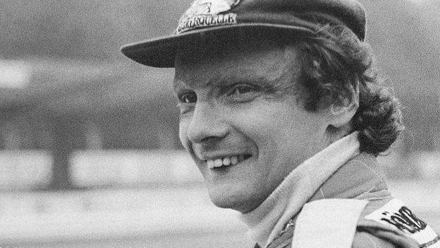 Niki Lauda: Tributes paid after F1 legend dies aged 70 thumbnail