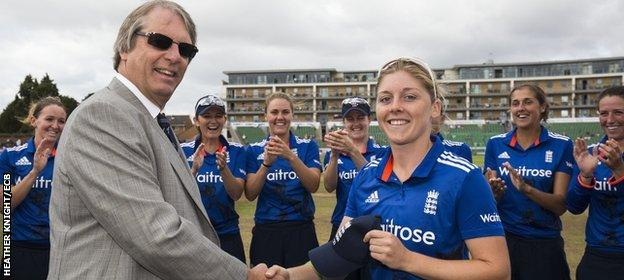 Heather Knight receives her 50th ODI cap from ECB president Giles Clarke