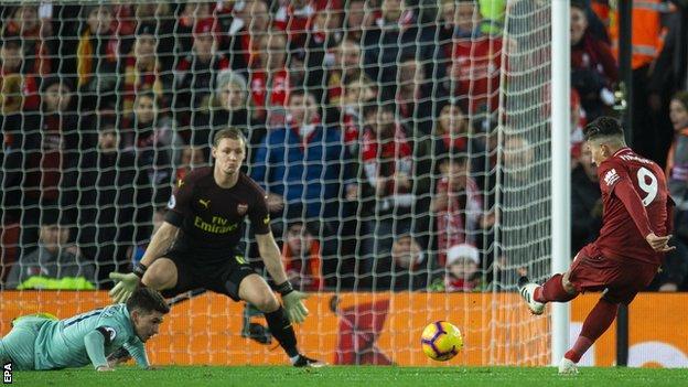 Roberto Firmino scores Liverpool's second goal