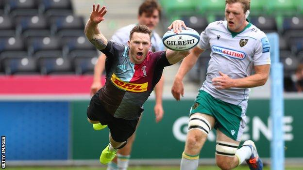 Chris Ashton scores a try for Harlequins