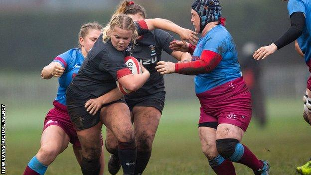 Wales hooker Molly Kelly on the attack against Crawshays