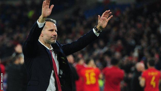 Ryan Giggs with the fans