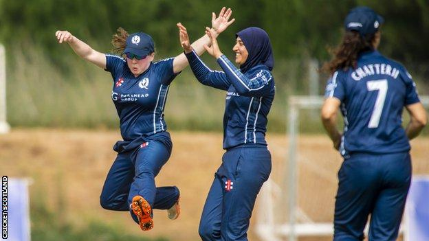 Abtaha Maqsood celebrates taking a wicket