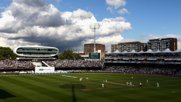Coronavirus: England men's and women's teams make contributions thumbnail