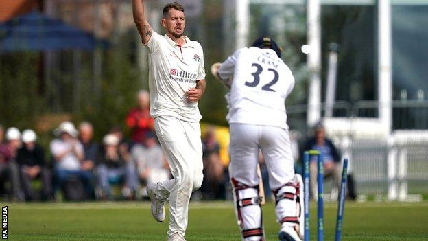 Tom Bailey took a career-best 7-37 in Hampshire's second innings