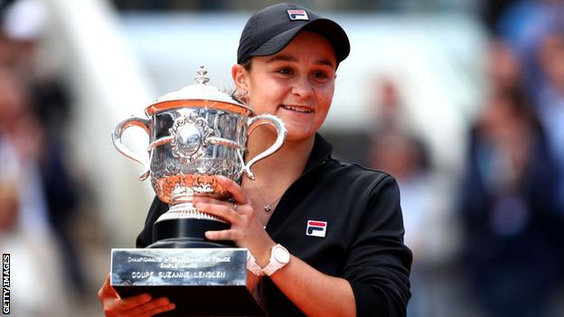 Ash Barty holds the French Open trophy