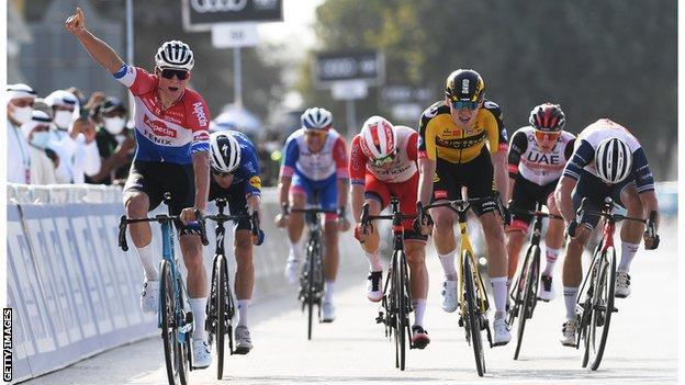 Mathieu van der Poel wins stage one