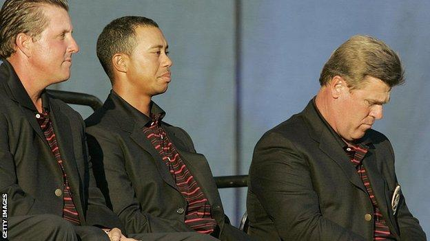(l-r) Phil Mickelson, Tiger Woods and Hal Sutton