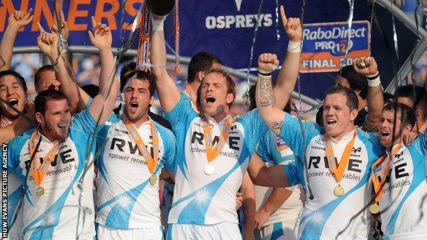 Alun Wyn Jones has been part of four Ospreys league winning sides including captaining the team to 2012 success