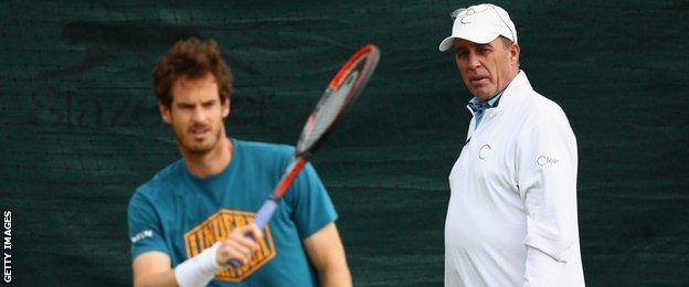 Ivan Lendl keeps an eye on Andy Murray at practice