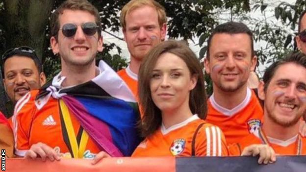 Sammy Walker with her Soho FC team-mates