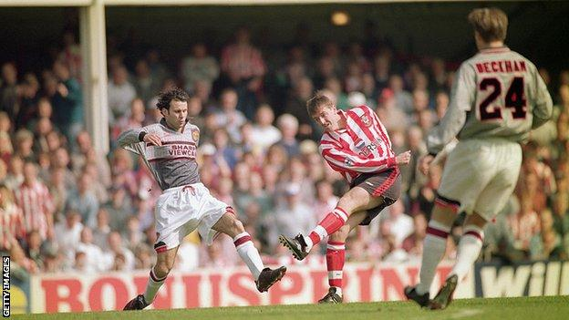 Manchester United's infamous visit to The Dell in 1996 saw them change their grey kit at half-time after going 3-0 behind to Southampton