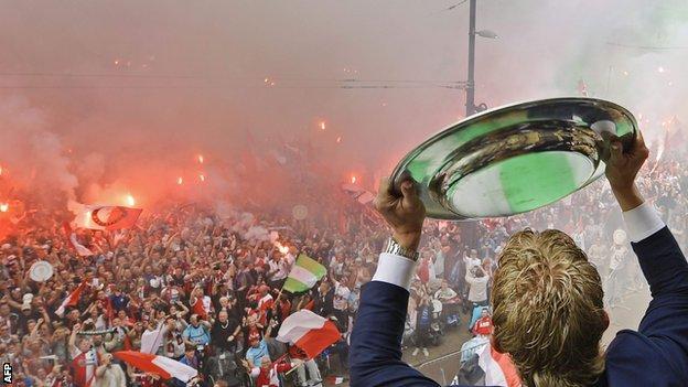 Feyenoord fans and Dirk Kuyt