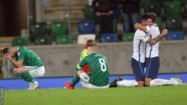 Slovakya maçın sonunda kutladı