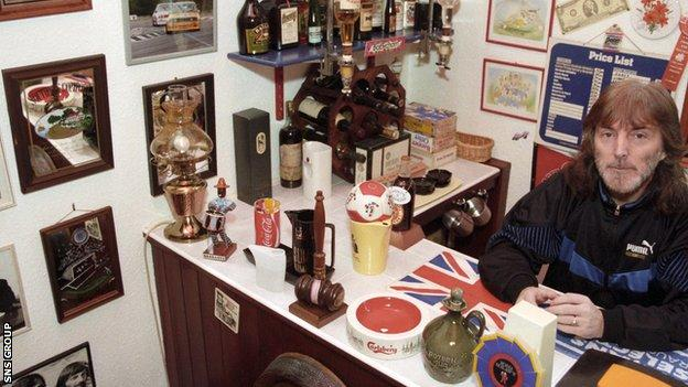 McMurdo in his 'Billy's Bar office' back in 1996