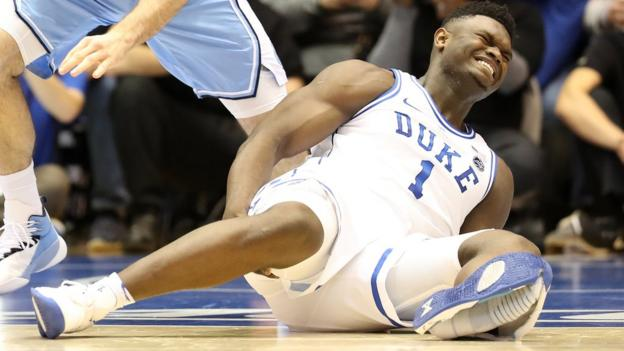 Zion Williamson injured as Nike shoe falls apart after 33 seconds thumbnail