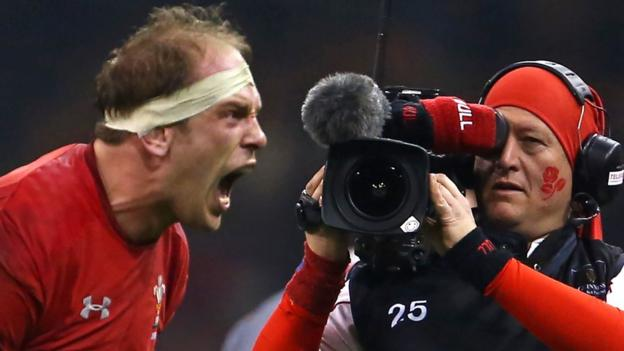Wales 21-13 England: Warren Gatland masterminds famous win in Cardiff thumbnail