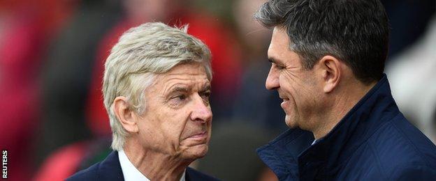 Arsenal's Arsene Wenger with Southampton counterpart Mauricio Pellegrino