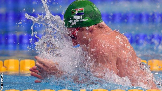 Cameron van der Burgh celebrates his new world record