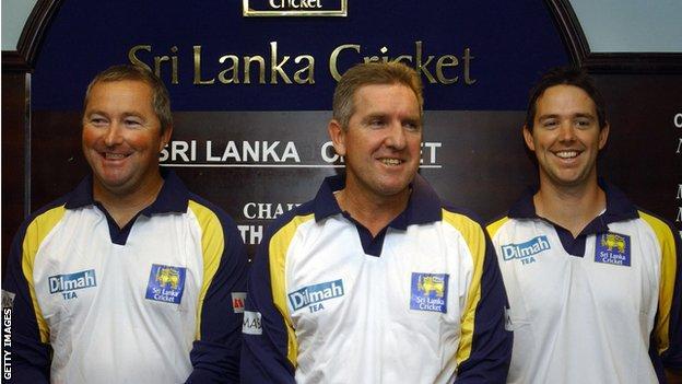 Sri Lanka cricket coaches Trevor Bayliss and Paul Farbrace in 2009