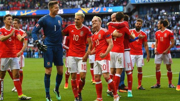 Jonny Williams (C) celebrates with his Wales team-mates during the Euro 2016 campaign