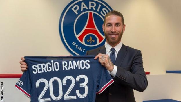 Sergio Ramos with PSG shirt