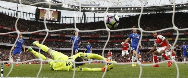Theo Walcott scores