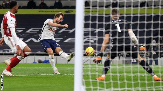 Harry Kane, Arsenal'e karşı gol attı