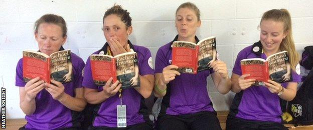 The Hobart Hurricanes squad catch up on their reading