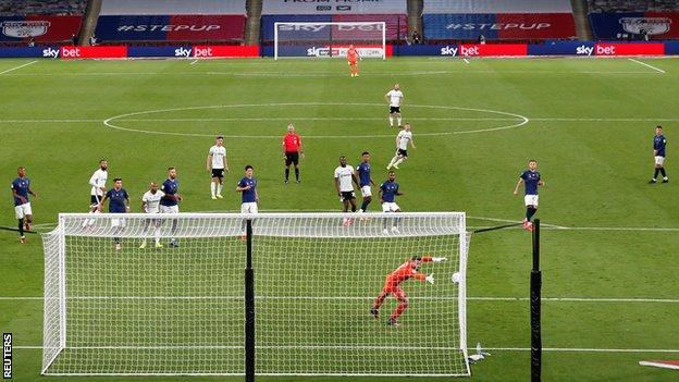 Joe Bryan's first goal